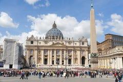 Sanktt Peter fyrkant i Vatican Arkivbild