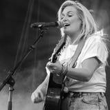 Sanne Hans ou mieux connu comme Mlle Montreal au festival néerlandais de libération Image stock