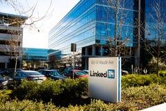Sannyvale, CA, usa - Feb 1, 2018: Budynek LinkedIn Korporacja biuro Zdjęcia Stock