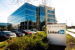 Sannyvale, CA, usa - Feb 1, 2018: Budynek LinkedIn Korporacja biuro obraz royalty free