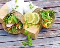 Sano, il grano libera, involucri della verdura Fotografia Stock