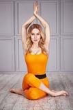 Sano sexy della donna del vestito di yoga di sport Immagini Stock Libere da Diritti