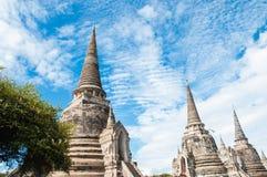 Sanphet do si do phra de Wat com céu azul e nuvem Foto de Stock