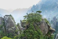 Sanqingshan berglandskap royaltyfri foto