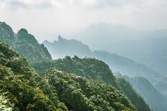 Sanqingshan-Gebirgslandschaft Stockfotos