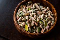 Sans épluché cru de pistache/sans Shell photographie stock libre de droits