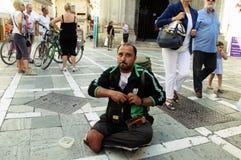 Sans-abri dans la rue Photo libre de droits