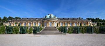 Sanssouci slott i Potsdam/Tyskland/panorama arkivbilder