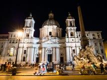 Sant' Agnese Church am Marktplatz Navona in Rom, Italien nachts Stockbild