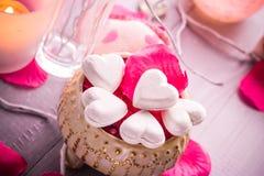 Santé de corps d'amour de coeur de jour de valentines de composition en station thermale Photo libre de droits