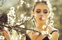 santé de la jeunesse, concept de fraîcheur, les gens et nature, conception florale photographie stock