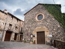 Sant萨尔瓦多教会在Castellfolit de la Roca 免版税库存照片