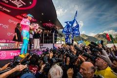 Sant Анна, Италия 28-ое мая 2016; Vincenzo Nibali, команда Астаны, на подиуме в розовом Джерси Стоковое фото RF