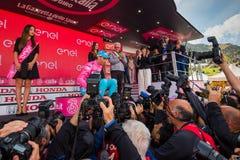 Sant Анна, Италия 28-ое мая 2016; Vincenzo Nibali, команда Астаны, на подиуме в розовом Джерси Стоковые Изображения RF