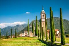 Sant Abbondio教会,瑞士 免版税图库摄影