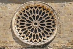 Sant'Agostino教会的Amatrice -圆花窗 免版税库存图片