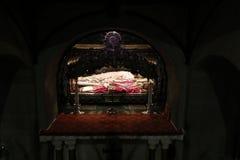 Sant'ambrogio kyrktar milan, milano relikerna av helgonen Royaltyfri Foto