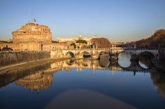 Sant ` Angelo Bridge och Sant ` Angelo Castel, Rome Royaltyfria Foton