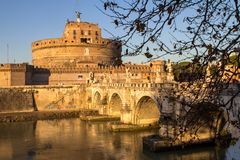 Sant ` Angelo Bridge och Sant ` Angelo Castel, Rome Royaltyfri Bild