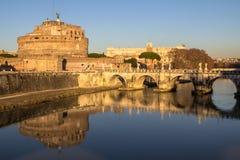 Sant ` Angelo Bridge och Sant ` Angelo Castel, Rome Royaltyfri Foto