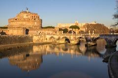 Sant ` Angelo Bridge och Sant ` Angelo Castel, Rome Arkivbild