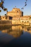 Sant ` Angelo Bridge och Sant ` Angelo Castel, Rome Royaltyfri Fotografi