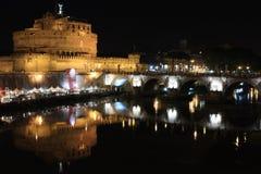 Sant'angelo van Castel in een nacht van de zomer Stock Foto's
