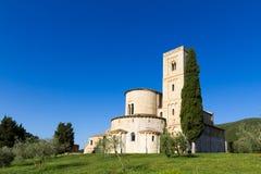 Sant'Antimo Abbey i Kreta Senesi, Italien Royaltyfri Foto