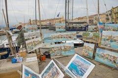 Sant-Tropez gatakonstnär arkivbilder