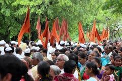 Sant Tukaram palkhiprocession, Maharastra, Indien Arkivfoto