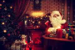 Santa εργαζομένων Στοκ φωτογραφίες με δικαίωμα ελεύθερης χρήσης