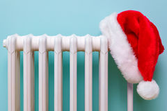 santa θερμαντικών σωμάτων καπέλ& Στοκ φωτογραφία με δικαίωμα ελεύθερης χρήσης