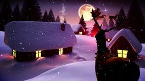 Santa που πετά πέρα από το χαριτωμένο χιονώδες χωριό ως ρολόγια του Rudolph διανυσματική απεικόνιση