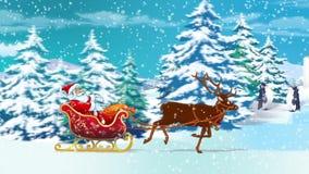 Santa σε ένα έλκηθρο στο χειμερινό δρόμο απόθεμα βίντεο