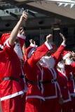 santa τρεξίματος διασκέδαση&sigm Στοκ Φωτογραφίες