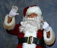 Santa agita a los niños fotografía de archivo libre de regalías