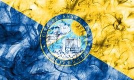 Santa Ana-Stadtrauchflagge, Staat California, Vereinigte Staaten von morgens Lizenzfreie Stockfotos