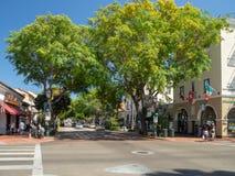Santa Barbara, California, los E.E.U.U.: costa central, playa del Océano Pacífico, turista y destino del centro turístico imagenes de archivo