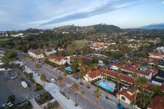 Santa Barbara Cityscape in Californi? stock afbeeldingen