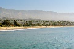 Santa Barbara plaża, Kalifornia Ranku czas, Morska warstwa obraz stock