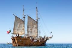 Santa Bernarda, um barco popular do pirata de Portimao que toma turistas em torno da costa Fotos de Stock