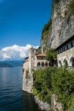 Santa Caterina Monastery på sjön Maggiore, Italien Royaltyfri Fotografi