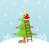 Santa che decora l'albero di Natale royalty illustrazione gratis