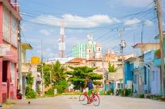 SANTA CLARA, CUBA - SEPTEMBER 08, 2015: Mening Stock Foto's