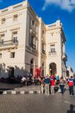 SANTA CLARA KUBA, FEB, - 13, 2016: Teatro losu angeles Caridad theatre w centrum Santa Clara, lisiątko zdjęcia stock