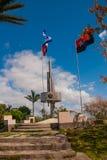 Santa Clara Kuba: Monument av Lomoen del Capiro i Santa Clara Dragning på kullen av staden Framkallning av flaggan av Kuban Royaltyfria Bilder