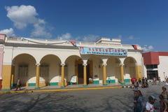 Santa Clara, Kuba, Styczeń 4, 2017: uliczny widok wokoło central park obraz stock