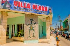 SANTA CLARA KUBA, WRZESIEŃ, - 08, 2015: Widok, śródmieście w stolicie prowincja, willa Clara Fotografia Royalty Free