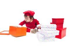 Santa Claus behandla som ett barn flickan Arkivbild