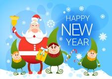 Santa Claus And Christmas Elf Group sorridente con il buon anno del presente di festa Immagini Stock